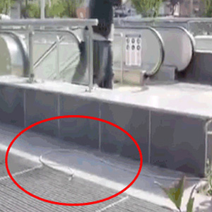 Metronun elektriği ile AK Parti reklamı