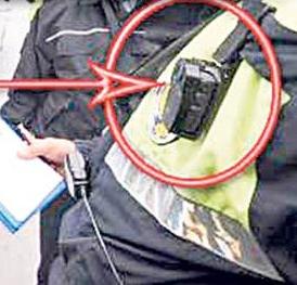 Polisin yaka kamerası rüşveti yakaladı !