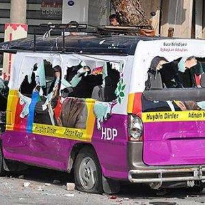 HDP aracına molotoflu saldırı