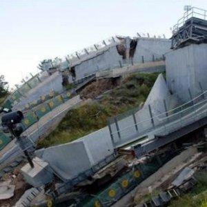 Erzurum'da kayakla atlama kuleleri çöktü
