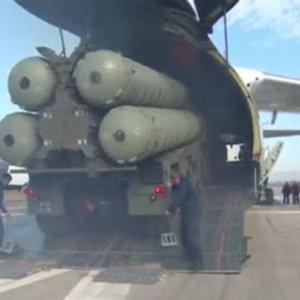 Rusya dediğini yaptı ! S-400 füzeleri Suriye'de