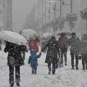 Kar Trakya'dan girdi, Marmara ve İstanbul için kar alarmı !