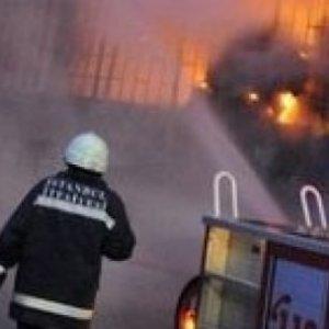 İstanbul Esenler'de yangın faciası: 2 ölü