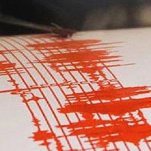 Deprem Burdur'u sokağa döktü