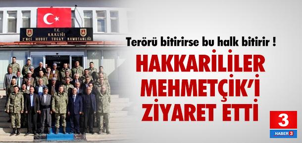 Hakkari halkı Mehmetçik'i ziyaret etti !