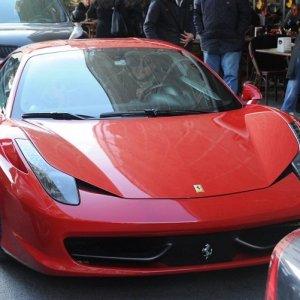 Ferrari'yle kahvaltıya gittiler !