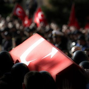 Türkiye şehitlerine ağlıyor: 4 şehit !