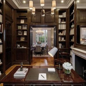 'Demir Leydi'nin evi satılıyor