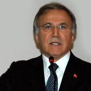 AK Parti'den Arınç ve Çelik kararı !