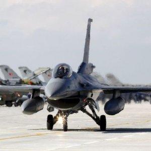 Rusya tehdidine rağmen Türk uçakları sınırda !