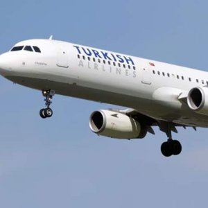 THY pilotu kuleyi uyardı: 'Uçaklar sola yatıyor'