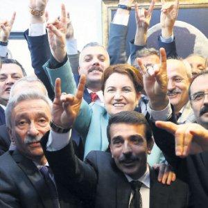 Meral Akşener: ''Başbakan oluyorum''