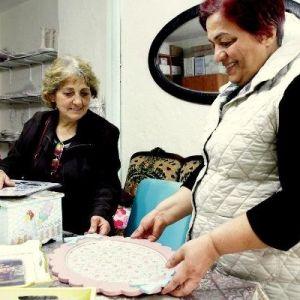Hastalığını Hobi-el Sanatları Marketinde Unutuyor