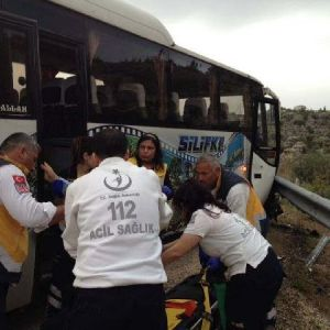Mersin'de korkunç kaza: 2 ölü, 5 yaralı