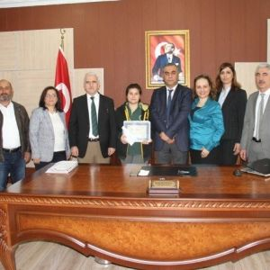 Sakaryalı Öznur Kurt Mektup Yarışmasında Türkiye İkinci Oldu