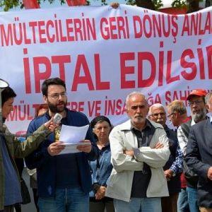 Dikili'de, Geri Dönüş Anlaşması'na Protesto
