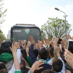 Bursaspor'a Coşkulu Uğurlama