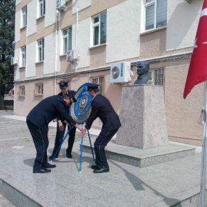 Gediz'de Şehit Polisler Mezarları Başında Anıldı