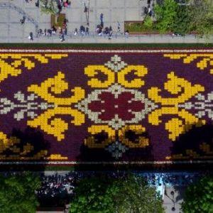 Canlı Lale Halısı Sultanahmet Meydanı'nda Ziyarete Açıldı