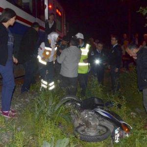 Hemzemin Geçitte Tren Motosiklete Çarptı, 2 Öğrenci Öldü
