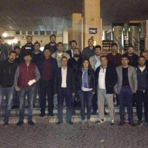 İzmir'de Afiş Gerginliği