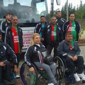 Diyarbakır'da Engelli Voleybolculara Otobüs Desteği