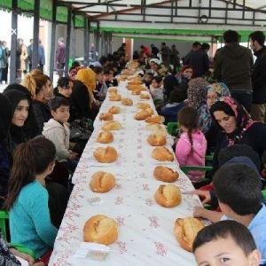 Başkale'de Yüksekovalı Ailelerle Dayanışma Yemeği