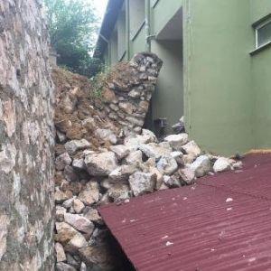 İstinat Duvarı Çöktü, Huzurevi Boşaltıldı