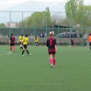 Iğdırlı Kadın Futbolcular Rekora Koşuyor