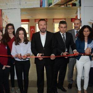 İzmit Belediyesi Okullara Desteğini Sürdürüyor