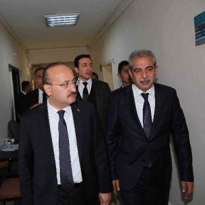 Başbakan Yardımcısı Yalçın Akdoğan, Başkan Demirkol'u Makamında Ziyaret Etti