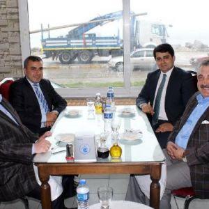 Ak Parti Ve Mhp'li İki Başkan Barıştı