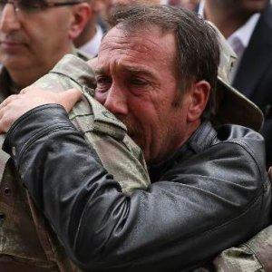 Cenazede böyle bağırdı: ''Biz Osmanlı torunuyuz...''