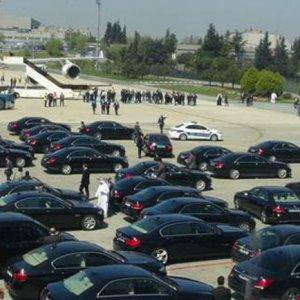 Suudi Kralı 100 araçla karşılandı