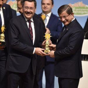 """Ankara Büyükşehir'e """"Gençlik Hizmetleri"""" Ödülü"""