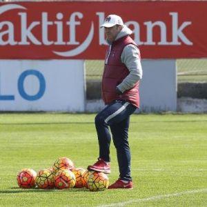 Trabzonspor'da, Hami Mandıralı'nın Aklı Avrupa'da