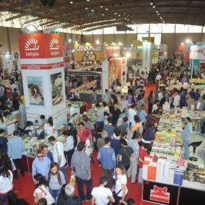 İzmir Kitap Fuarı Bu Yıl 16-24 Nisan'da