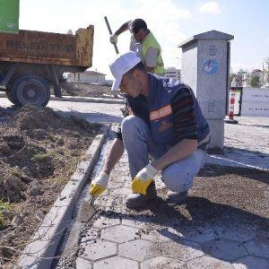 Fen İşleri Ekipleri Mahallelerde Yoğun Çalışıyor
