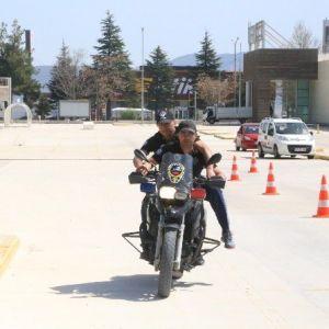 Motosikletli Polis Timlerine İleri Sürüş Eğitimi