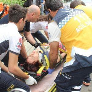 İntihar İçin 6. Kattan Atlayan Kadın Çamaşır Teline Takılınca 3. Katın Balkonuna Düştü