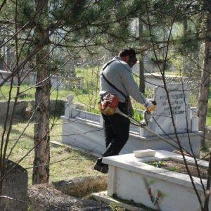 Kastamonu Mezarlıklarına Bahar Bakımı