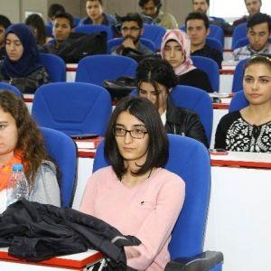 "Erü'de ""Kültür Kirlenmesi"" Konulu Konferans Düzenlendi"