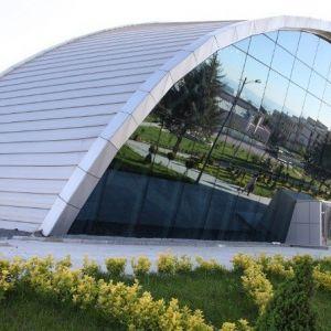 Yarı Olimpik Kapalı Yüzme Havuzu Hizmete Hazırlanıyor