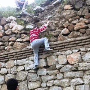 Çocuklardan Tehlikeli Tırmanış