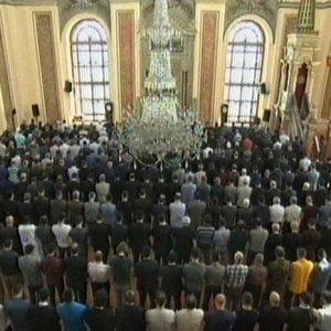 Dolmabahçe Camisi'nde yoğun güvenlik önlemi