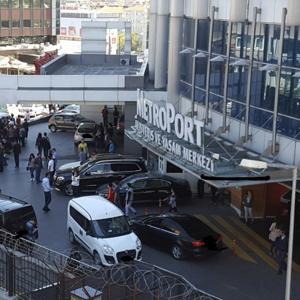 İstanbul'da korku dolu anlar ! AVM'de kurşun yağdırdı