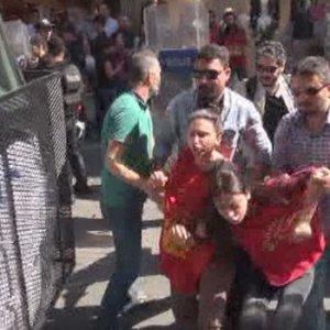 Taksim'de Grup Yorum'a polis müdahalesi