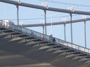 Boğaziçi Köprüsü'nde intihar girişimi !