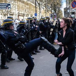 Fransa'da tehlikeli gerginlik !