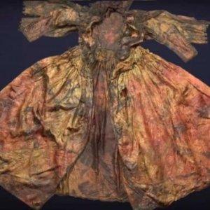 400 yıl sonra denizin dibindeki gemiden elbise çıktı